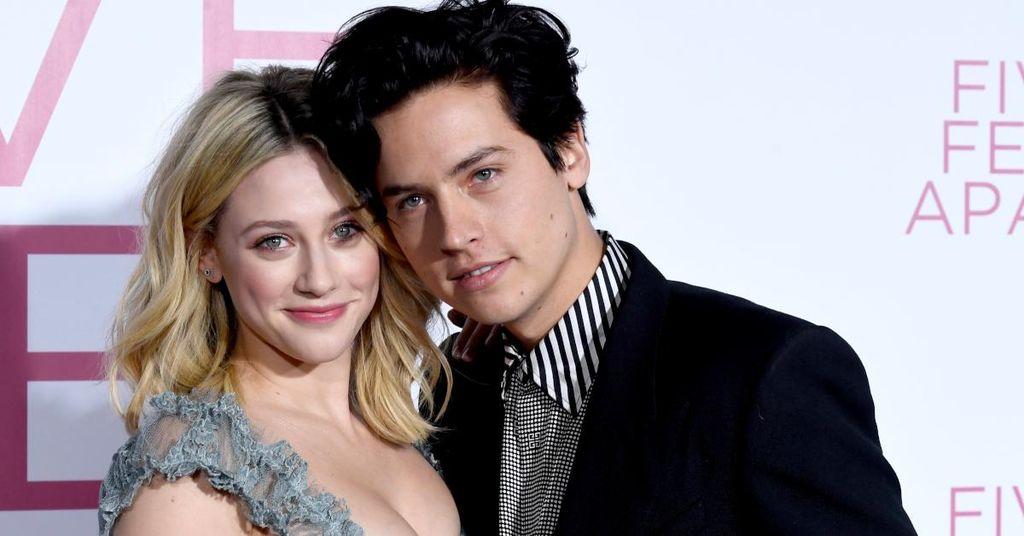 Har Cole Sprouse og Lili Reinharts 'Riverdale' -romanse kommet til en slutt?